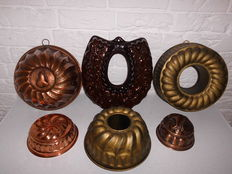 Lot of six (4 large and 2 small pudding / turban moulds in copper and earthernware, a very decorative item!