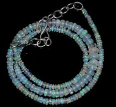 Necklace made of Welo opal beads, 2.5 mm to 6 mm