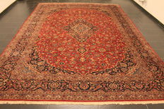 Divinely beautiful semi antique fine Persian palace carpet Keschan Keshan best cork wool around 1970 signed by knotting master Made in Iran 290x420cm