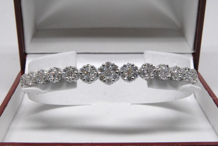 Dames armband bezet met diamanten - in totaal 5,50ct.