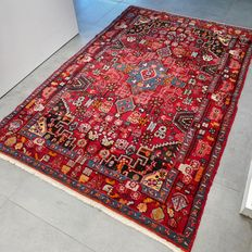 Stunning, colourful Nahawand Persian carpet – 215 x 141 – with certificate – great appearance!