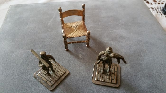 Silver Dutch miniatures of an old Dutch chair, Carpenter and Falconer