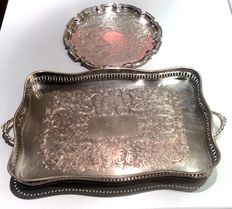 Vintage, 1 rectangular tray and 1 round tray - Silverplated - England - 1st half of the 20th century