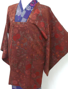 Silk Haori Kimono with handpainted lining of coaches (goshoguruma) - Japan - second half 20th century