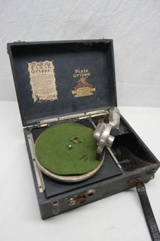 """Portable gramophone """"pixie Grippa"""" by """"Perophone""""."""