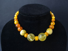Antique Baltic Amber necklace old honey butterscotch egg yolk colour, vintage, 37 gram.