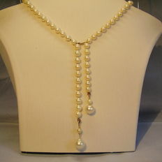Long white Akoya pearl collier with real pacific pearls (Australia)