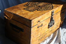 Harley-Davidson - Old trunk printed with Harley-Davidson logo - 1980s