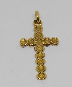 18 kt yellow gold cross