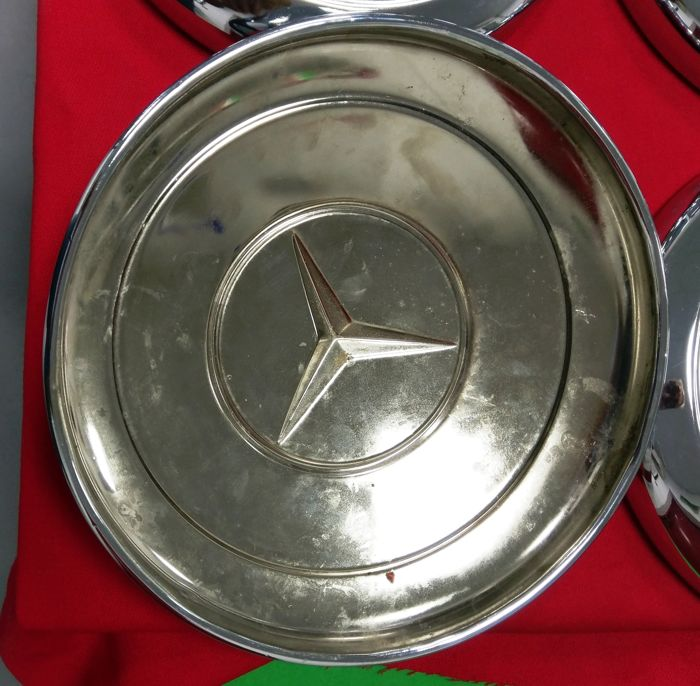 6 mercedes benz 300sl chrome hubcaps catawiki for Mercedes benz hubcaps
