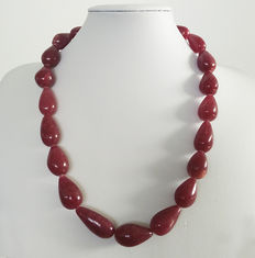 Polished ruby necklace - 300 ct
