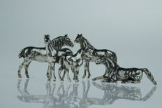 4 Pcs - Silver Horse miniatures, in various designs