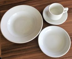 3rd Reich, 4 nice tableware, plate/soup plates, cup WW II