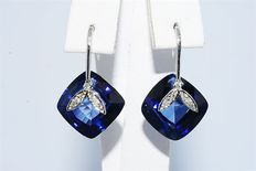 14 kt White gold earrings with sapphire and diamond