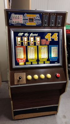 Slot machine by Bell Fruit - All the Fours