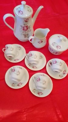 Superb fine porcelain coffee service signed monopoli