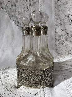 Dutch silver with crystal oil- and vinegar set, menagere, Amsterdam, 1926