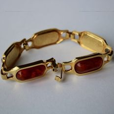 Silver bracelet with 5 Baltic amber stones of approx. 18.8 x 10 mm, around 1910/1920.