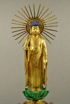 A gilded and black and green lacquered wood sculpture of Buddha Nyorai - Japan - ca 1960 (Showa period)