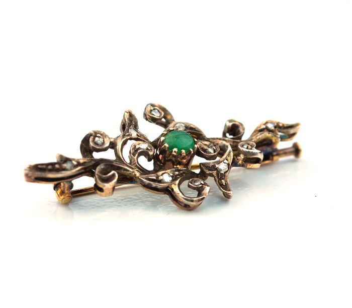 19th century rose cut Diamond (+/-0.30CT) & Cabochon Emerald Antique Brooch set on 18K/750 Gold with silver fastenings - Size 45mm x 20mm