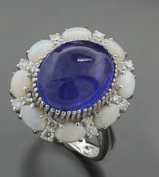Tanzanite brilliant opal ring 11.35 ct, of which 1 tanzanite 10.00 ct in 750 white gold - no reservation