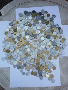 Republic of Italy – lot of 570 coins