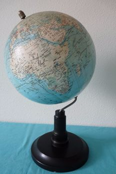 Antique Dutch globe of SVH