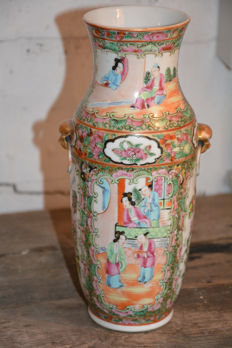 Fine quality Canton vase - China - begin 20th century