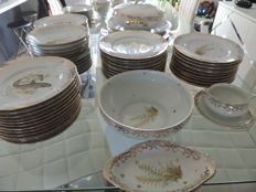 Limoges porcelain dinner service, 110 pieces