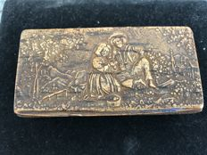Carved wooden snuffbox from the Netherlands - period 1800