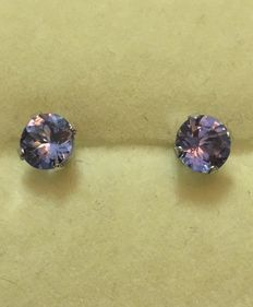 White gold earrings with brilliant cut AAA natural and clear tanzanite of 2 ct in total