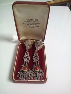 Old set of silver and coral earrings – End of 19th century, beginning of 20th century