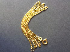18 kt solid gold necklace