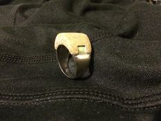 18 kt yellow and white gold ring - 19 mm