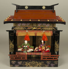 Imperial Hina ningyô palace, complete with emperor and empress - Japan - approx. 1912 - 1926 (Taisho era)