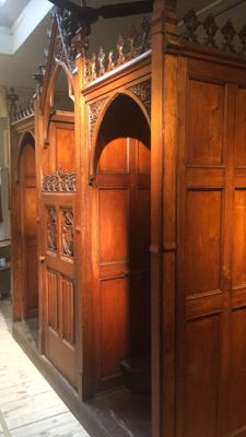 A neo-Gothic nicely sculpted oak confessional - Ghent, Belgium - dated 1870