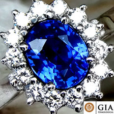 Unheated Natural Blue Sapphire And Diamond Ring in 18 kt white gold – GIA Certified – No Reserve