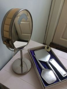 Unusual theatre mirror with light and vintage dressing table set