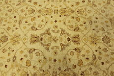 Beautiful  Ziegler Farahan Oriental carpet 2.45 x 2.00 authentic hand-woven in Pakistan, top carpet