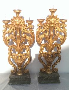 Pair of Venetian pine wood candlesticks, with gold leaf - Italy - early 18th century