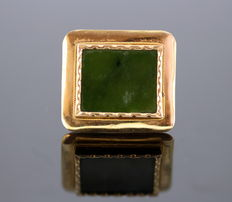 Antique Victorian 15K Gold Jadeite brooch, ca.1880