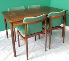 (attributed to) Inger Klingenberg for Fristho Franeker - – mid-century dining table
