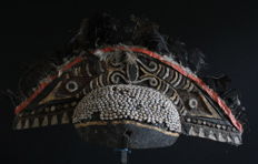 Rare dance hat for an important Sing Sing from the village of Panitem - Pora Pora region - Papua New Guinea