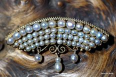 Biedermeier brooch with natural pearls