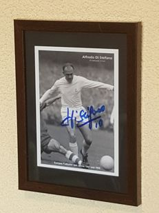 Alfredo Di Stefano (RIP) - old hand autographed framed photo + COA