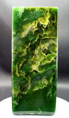 Fine green Nephrite Jade, polished Tumble - 180 x 73 x 71mm - 2117gm
