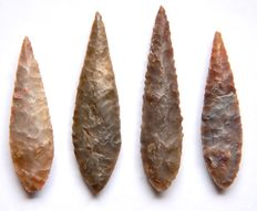 Lot with 4 Neolithic arrowheads from Niger - 53-44 mm (4)