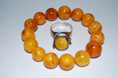 Bracelet: not pressed Amber and silver 925 ring with Amber, total: 22 grams