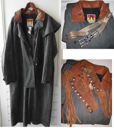 Kakadu - Long riding coat in Grey canvas (oilskin) made in Australia, two Western belts - Second half 20th century,