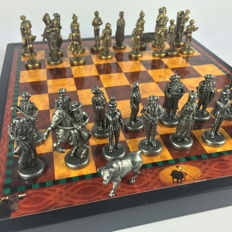 Toreros chess set with metal pieces - mid 20th century.